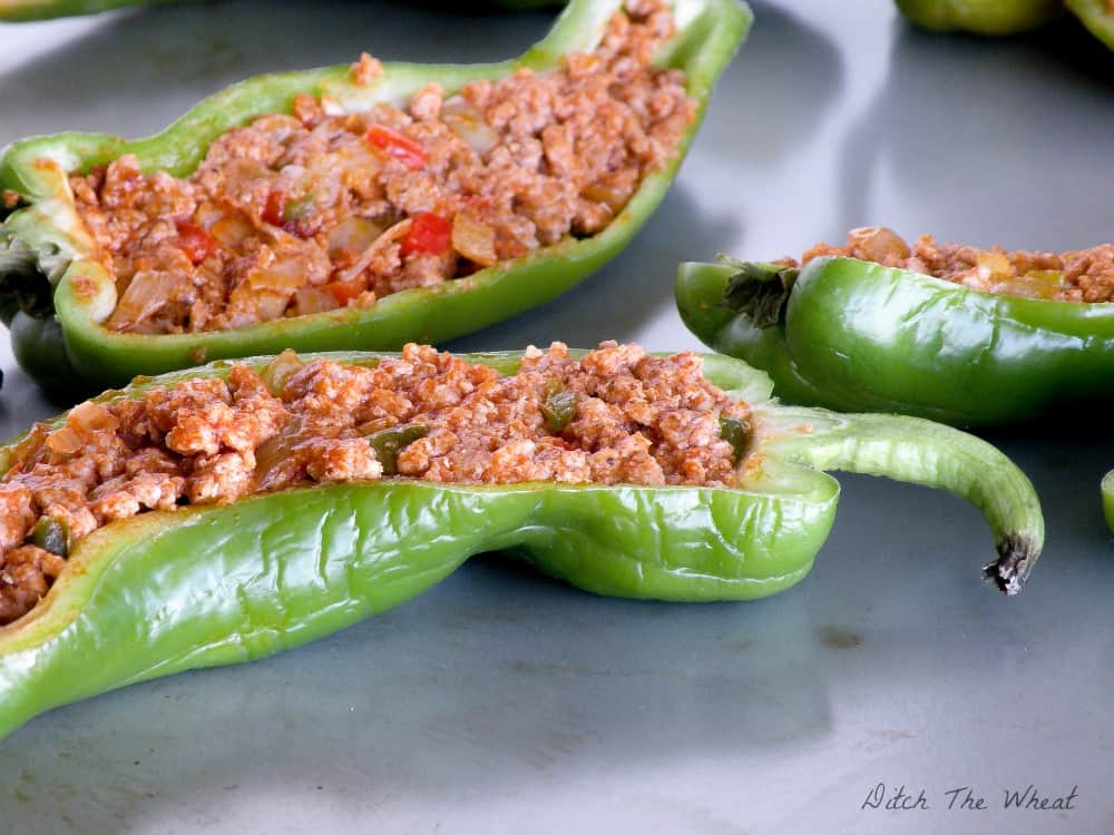 EASY LOW CARB Stuffed Peppers - keto stuffed peppers, paleo stuffed peppers, hot stuffed peppers, stuffed peppers no rice, whole30 stuffed peppers, stuffed peppers beef, low carb stuffed peppers recipe