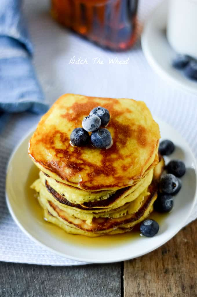 THE BEST Coconut Flour Pancakes! Fluffy and nut free pancakes. Coconut flour pancake recipe, paleo pancakes coconut flour, keto pancakes coconut flour, paleo pancakes nut free, low carb pancakes, gluten free pancakes, grain free pancakes