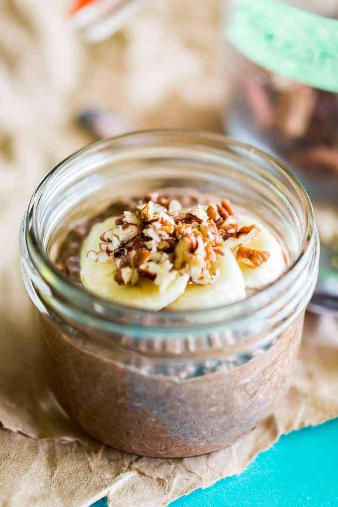 THE BEST Brownie Batter Chia Seed Pudding - I felt like I was literally eating delicious brownie batter except this one is guilt free! Paleo chocolate chia pudding, keto chocolate chia pudding, Chia Pudding Recipes, Chia Seed Pudding Recipes, Healthy Chia Seed Pudding Recipes, Paleo chia pudding recipes, dairy-free chia pudding recipes, vegan chia pudding recipes #keto #ketosnack #ketochiapudding #glutenfree #paleo #vegan #paleodessert #paleosnack #chiapudding #chocolatechiapudding