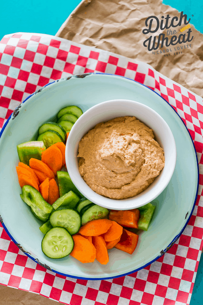 THE BEST Dairy Free Spicy Salmon Dip - This easy keto dairy free dip uses canned salmon, mayo and sriracha sauce. The perfect keto snack, paleo snack. This dairy free dip can be eaten at parties, as a snack or for meal. Whole30 dairy free salmon dip #whole30dip #paleodip #ketodip #dairyfreedip